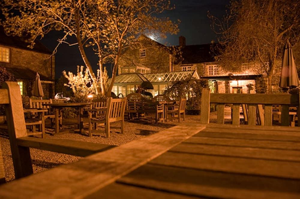 반스데일 로지 호텔 앤드 레스토랑(Barnsdale Lodge Hotel and Restaurant) Hotel Image 36 - Garden