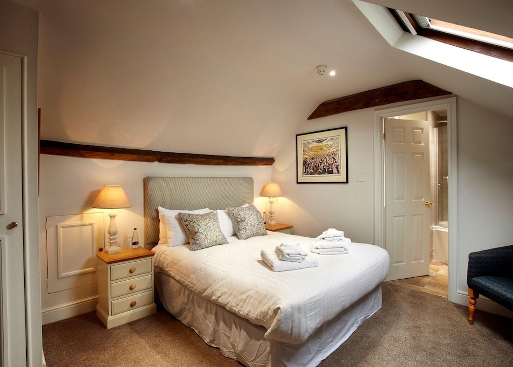 반스데일 로지 호텔 앤드 레스토랑(Barnsdale Lodge Hotel and Restaurant) Hotel Image 0 - Featured Image