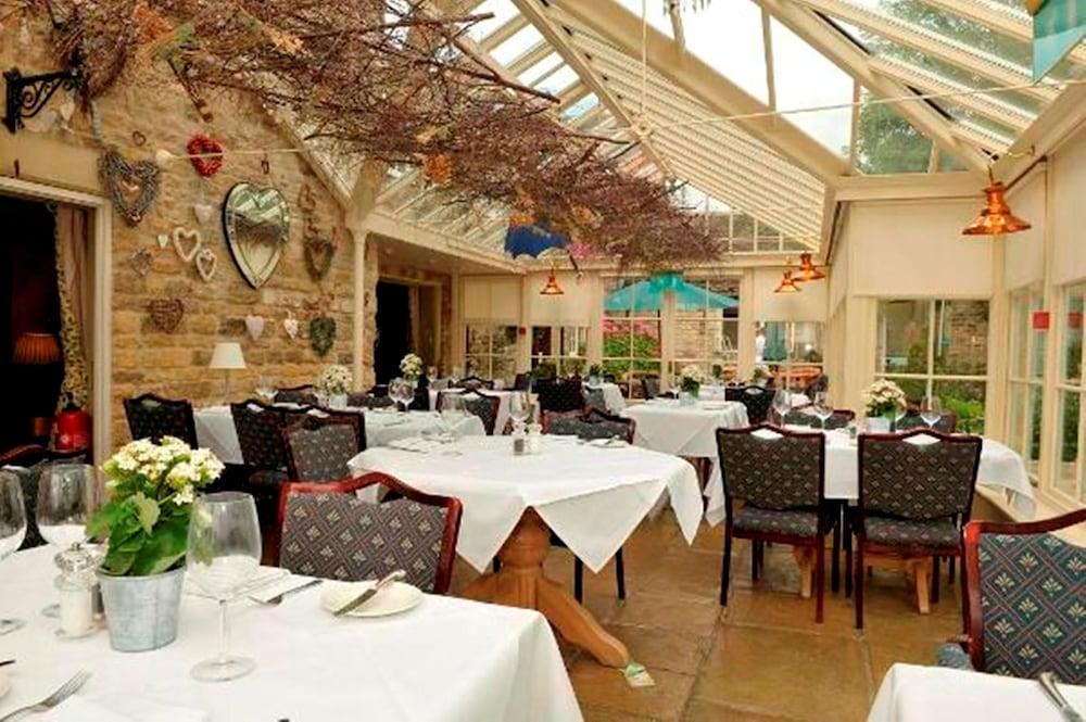 반스데일 로지 호텔 앤드 레스토랑(Barnsdale Lodge Hotel and Restaurant) Hotel Image 48 - Restaurant