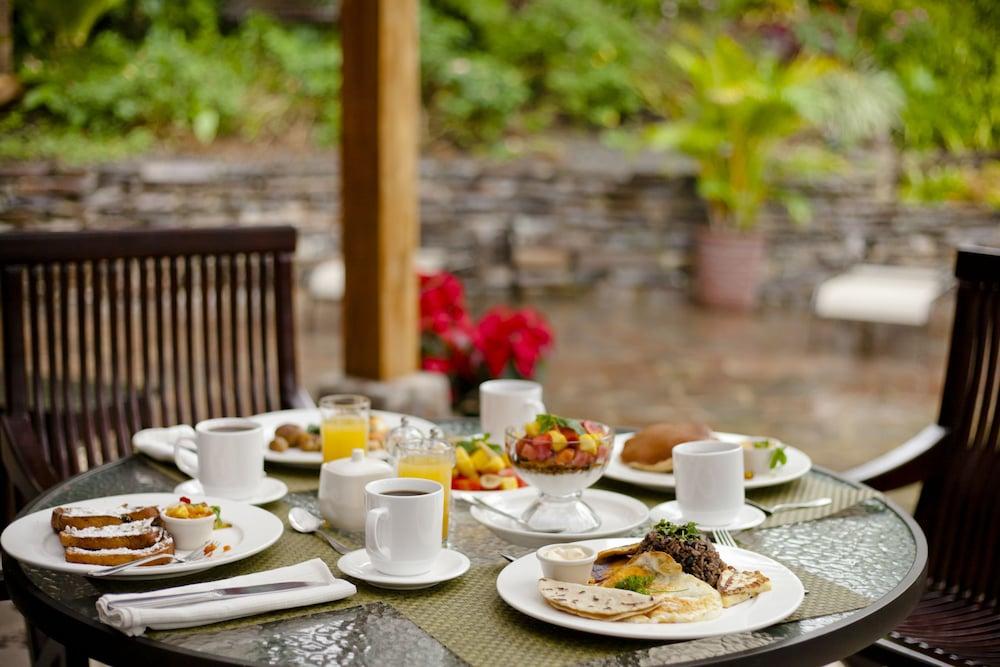 몬테베르데 로지 & 가든(Monteverde Lodge & Gardens) Hotel Image 39 - Breakfast Area