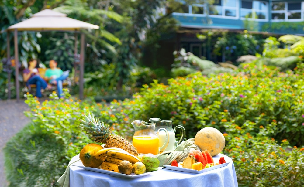 몬테베르데 로지 & 가든(Monteverde Lodge & Gardens) Hotel Image 60 - Outdoor Dining