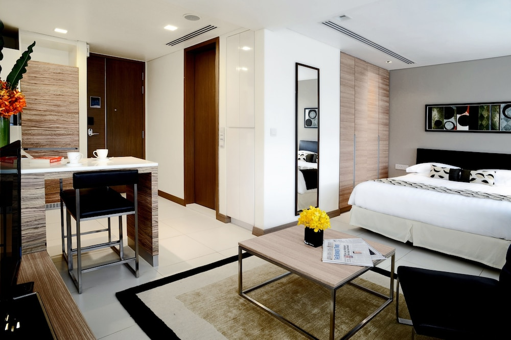 8 온 클레이모어 서비스 레지던스(8 on Claymore Serviced Residences) Hotel Image 4 - Guestroom