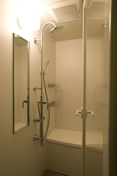 RESIDENTIAL HOTEL B:CONTE ASAKUSA Bathroom Shower