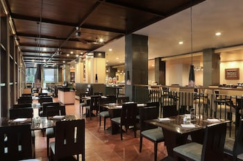 Hotel Santika Premiere Malang - Restaurant  - #0