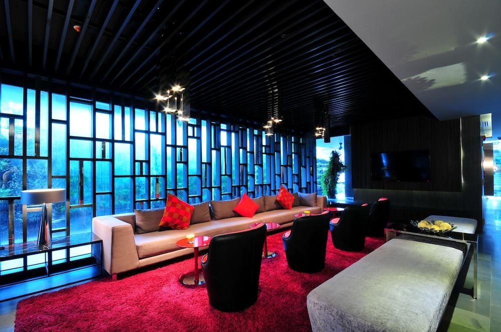 시트러스 수쿰윗 13 바이 컴패스 호스피탈리티(Citrus Sukhumvit 13 by Compass Hospitality) Hotel Image 2 - Lobby Sitting Area