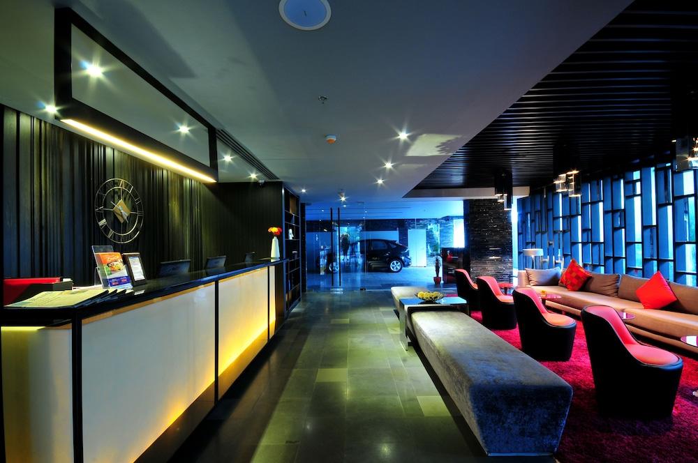 시트러스 수쿰윗 13 바이 컴패스 호스피탈리티(Citrus Sukhumvit 13 by Compass Hospitality) Hotel Image 4 - Reception