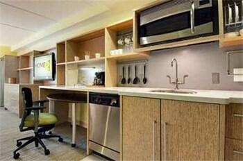 홈2 스위트 바이 힐튼 솔트 레이크 시티/웨스트 밸리 시티, UT(Home2 Suites by Hilton Salt Lake City/West Valley City, UT) Hotel Image 12 - In-Room Kitchenette