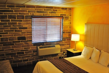 Deluxe Room, 1 King Bed, Smoking