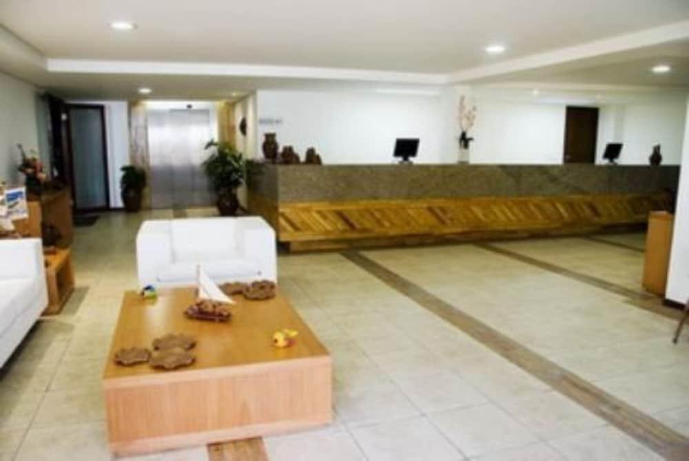 https://i.travelapi.com/hotels/5000000/4510000/4502000/4501950/538b56c8_z.jpg