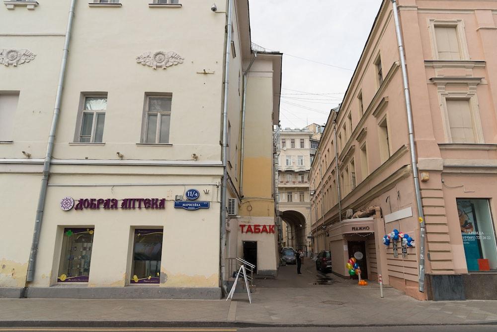 이데알 미니 호텔(Ideal Mini Hotel) Hotel Image 49 - Exterior detail