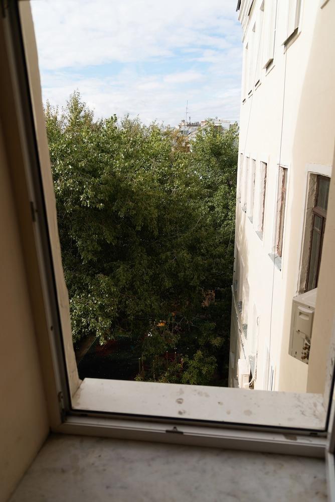 이데알 미니 호텔(Ideal Mini Hotel) Hotel Image 3 - View from Hotel