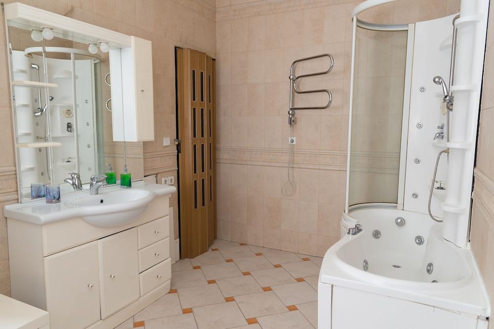 이데알 미니 호텔(Ideal Mini Hotel) Hotel Image 35 - Bathroom
