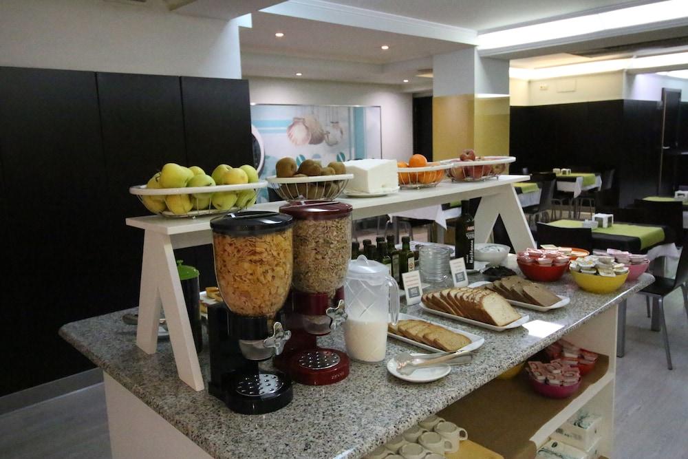 네스트 스타일 산티아고(Nest Style Santiago) Hotel Image 30 - Breakfast Area