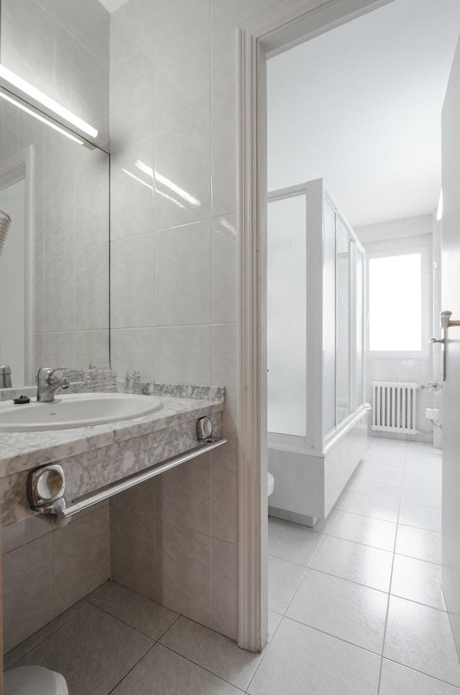 네스트 스타일 산티아고(Nest Style Santiago) Hotel Image 21 - Bathroom