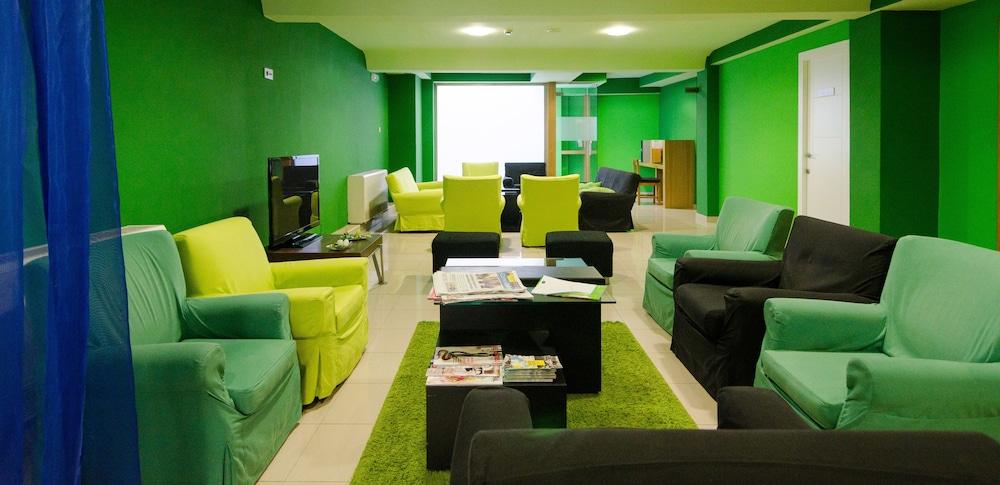네스트 스타일 산티아고(Nest Style Santiago) Hotel Image 1 - Lobby Sitting Area