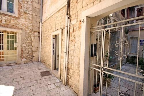 Apartments Cecilia, Split