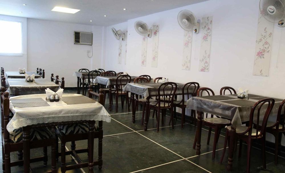 호텔 사르탁 팰리스(Hotel Sarthak Palace) Hotel Image 12 - Dining