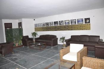 호텔 사르탁 팰리스(Hotel Sarthak Palace) Hotel Image 1 - Lobby Sitting Area