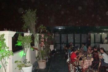 호텔 사르탁 팰리스(Hotel Sarthak Palace) Hotel Image 13 - Restaurant