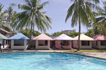 EGI Resort and Hotel Mactan Pool
