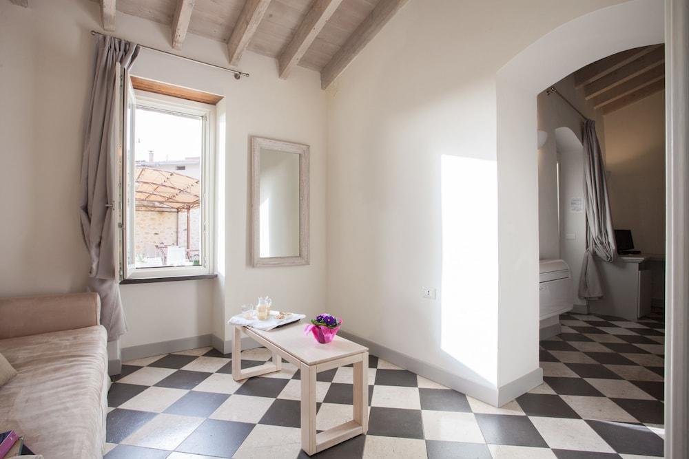 메이슨 트레스누라게스(Maison Tresnuraghes) Hotel Image 29 - Living Area