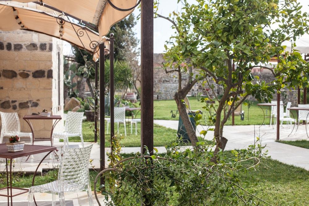 메이슨 트레스누라게스(Maison Tresnuraghes) Hotel Image 53 - Garden