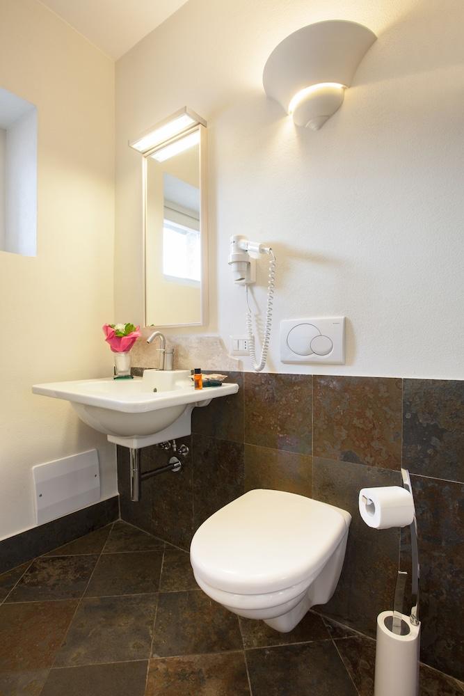 메이슨 트레스누라게스(Maison Tresnuraghes) Hotel Image 33 - Bathroom