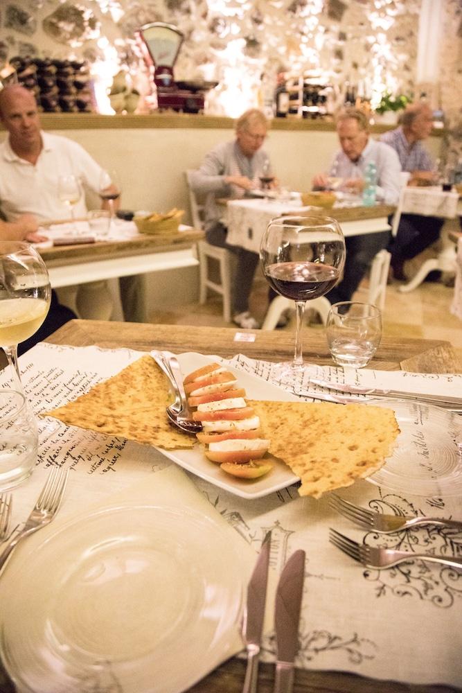 메이슨 트레스누라게스(Maison Tresnuraghes) Hotel Image 44 - Restaurant
