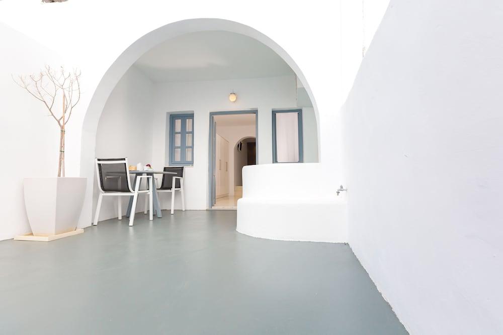 오이아 스위트(Oia Suites) Hotel Image 85 - Terrace/Patio