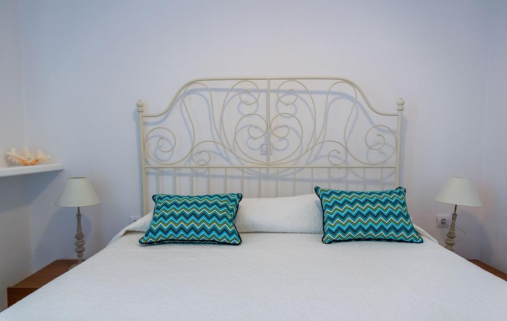 오이아 스위트(Oia Suites) Hotel Image 9 - Guestroom