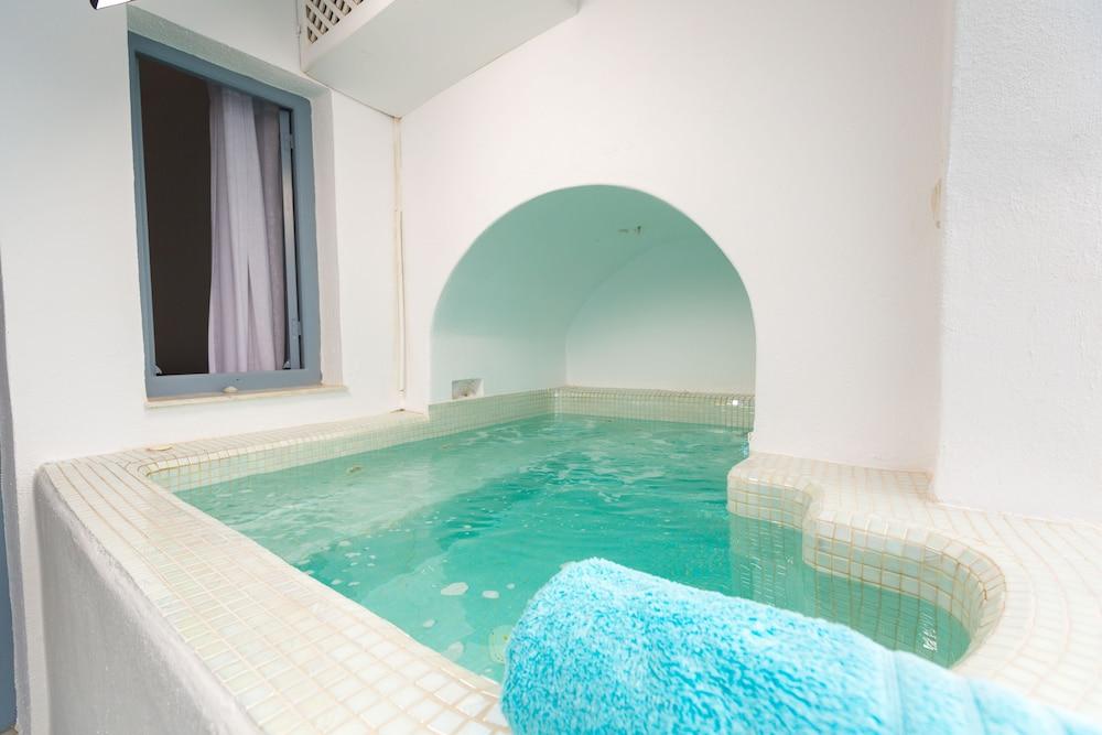 오이아 스위트(Oia Suites) Hotel Image 61 - Jetted Tub