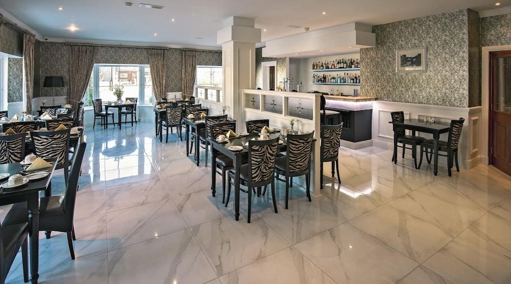 https://i.travelapi.com/hotels/5000000/4510000/4508200/4508102/3f393f21_z.jpg
