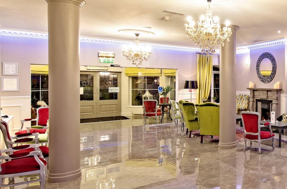 https://i.travelapi.com/hotels/5000000/4510000/4508200/4508102/ec66c833_z.jpg