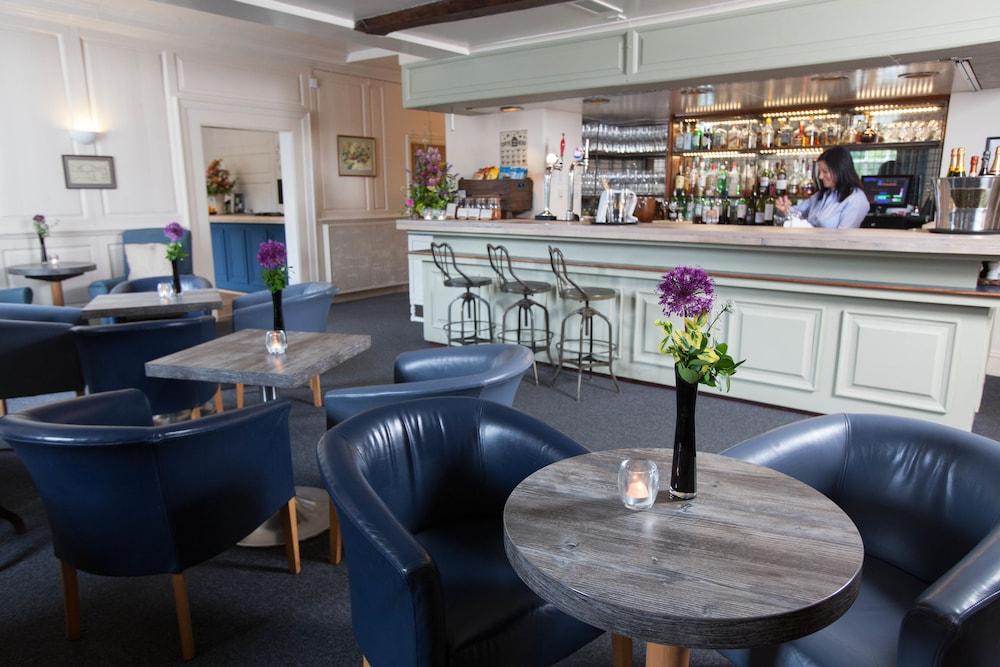더 이브샘 호텔(The Evesham Hotel) Hotel Image 23 - Hotel Bar