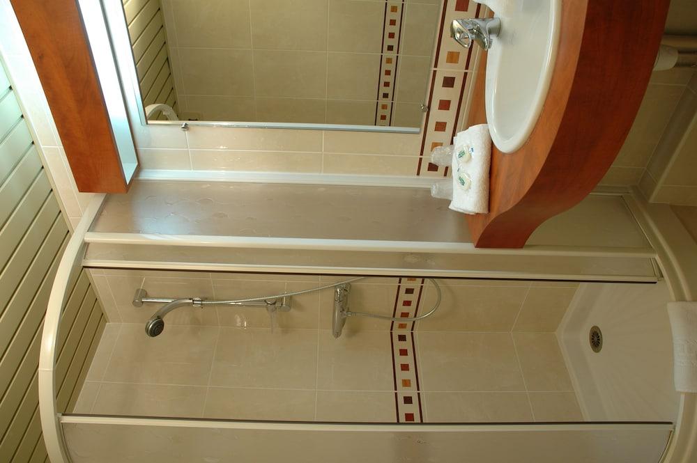 브릿 호텔 낭트 비그누 - 라틀란텔(Brit Hotel Nantes Vigneux - L'Atlantel) Hotel Image 37 - Bathroom