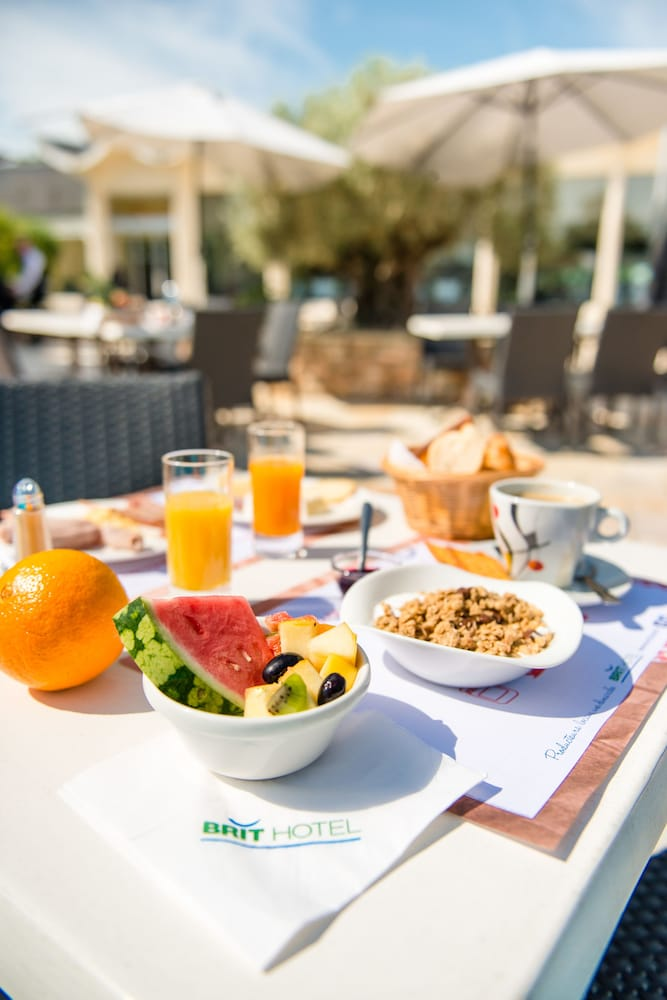 브릿 호텔 낭트 비그누 - 라틀란텔(Brit Hotel Nantes Vigneux - L'Atlantel) Hotel Image 66 - Outdoor Dining