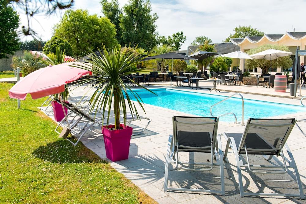 브릿 호텔 낭트 비그누 - 라틀란텔(Brit Hotel Nantes Vigneux - L'Atlantel) Hotel Image 41 - Outdoor Pool