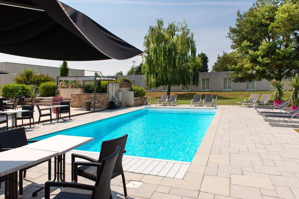 브릿 호텔 낭트 비그누 - 라틀란텔(Brit Hotel Nantes Vigneux - L'Atlantel) Hotel Image 2 - Pool