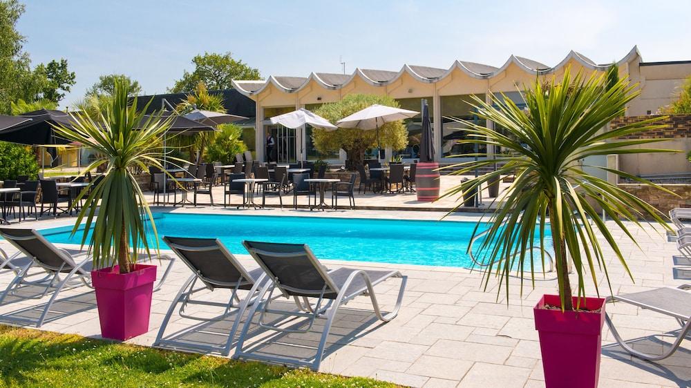 브릿 호텔 낭트 비그누 - 라틀란텔(Brit Hotel Nantes Vigneux - L'Atlantel) Hotel Image 3 - Pool