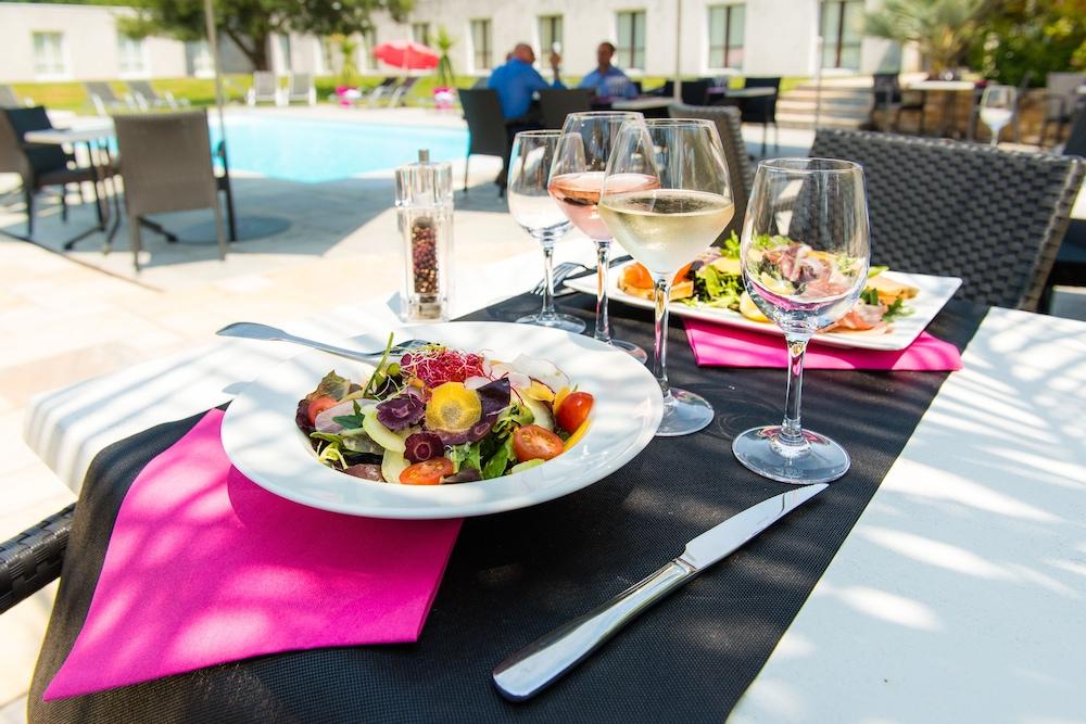 브릿 호텔 낭트 비그누 - 라틀란텔(Brit Hotel Nantes Vigneux - L'Atlantel) Hotel Image 67 - Outdoor Dining