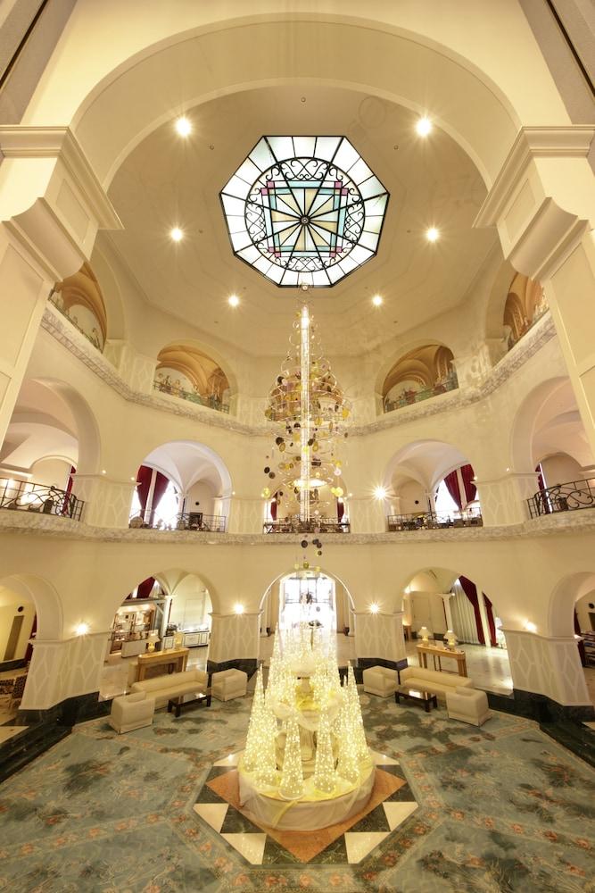로얄 오크 호텔 스파 & 가든(Royal Oak Hotel Spa & Gardens) Hotel Image 5 - Lobby