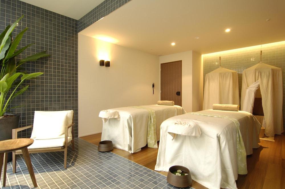 로얄 오크 호텔 스파 & 가든(Royal Oak Hotel Spa & Gardens) Hotel Image 23 - Spa Treatment