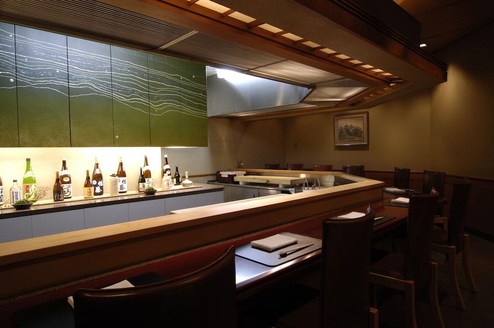 로얄 오크 호텔 스파 & 가든(Royal Oak Hotel Spa & Gardens) Hotel Image 30 - Restaurant