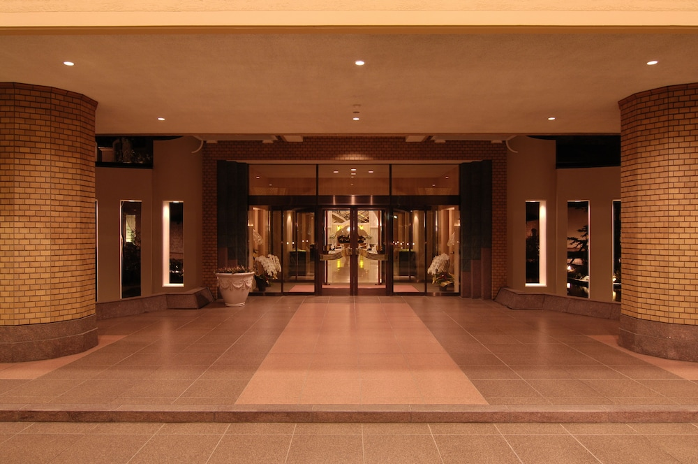 로얄 오크 호텔 스파 & 가든(Royal Oak Hotel Spa & Gardens) Hotel Image 41 - Hotel Entrance