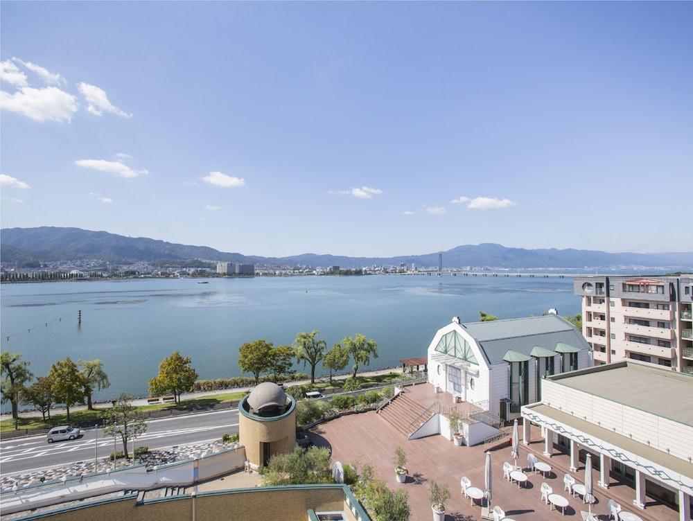 로얄 오크 호텔 스파 & 가든(Royal Oak Hotel Spa & Gardens) Hotel Image 56 - View from Hotel