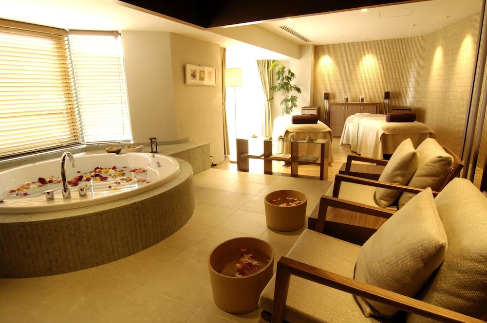 로얄 오크 호텔 스파 & 가든(Royal Oak Hotel Spa & Gardens) Hotel Image 22 - Treatment Room