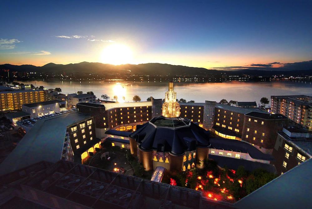 로얄 오크 호텔 스파 & 가든(Royal Oak Hotel Spa & Gardens) Hotel Image 0 - Featured Image
