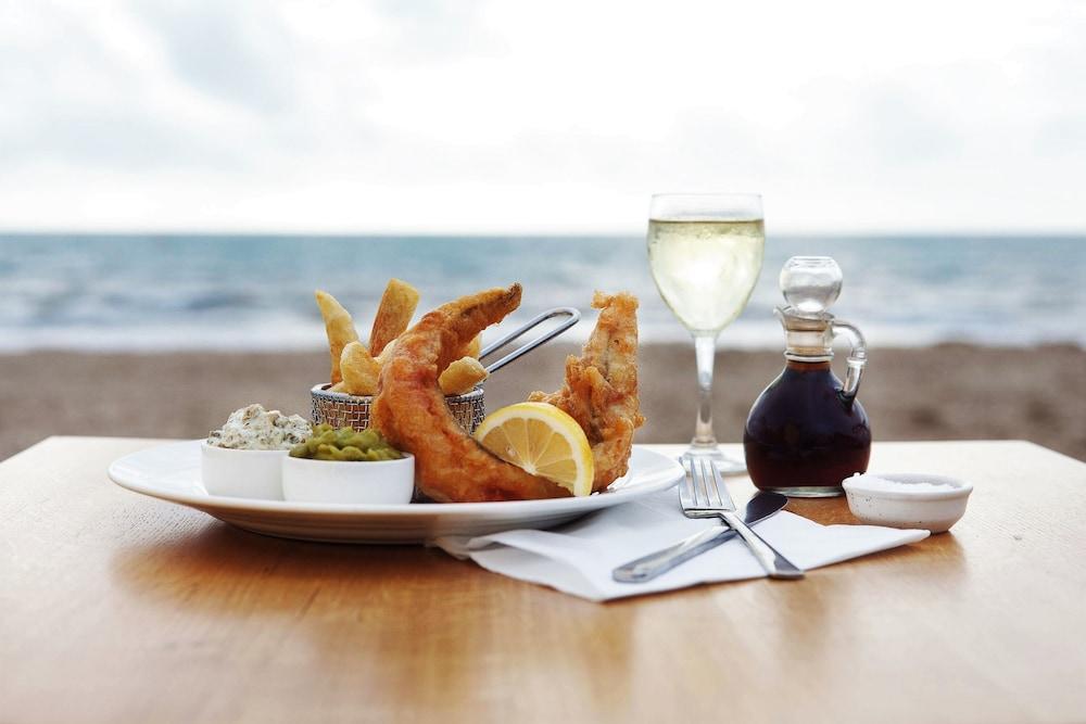 시크레스트 비치프런트 홀리데이 아파트먼츠(Seacrest Beachfront Holiday Apartments) Hotel Image 30 - Food and Drink