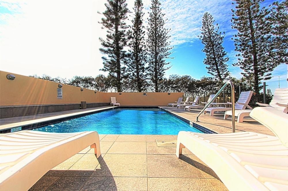 시크레스트 비치프런트 홀리데이 아파트먼츠(Seacrest Beachfront Holiday Apartments) Hotel Image 25 - Exercise/Lap Pool