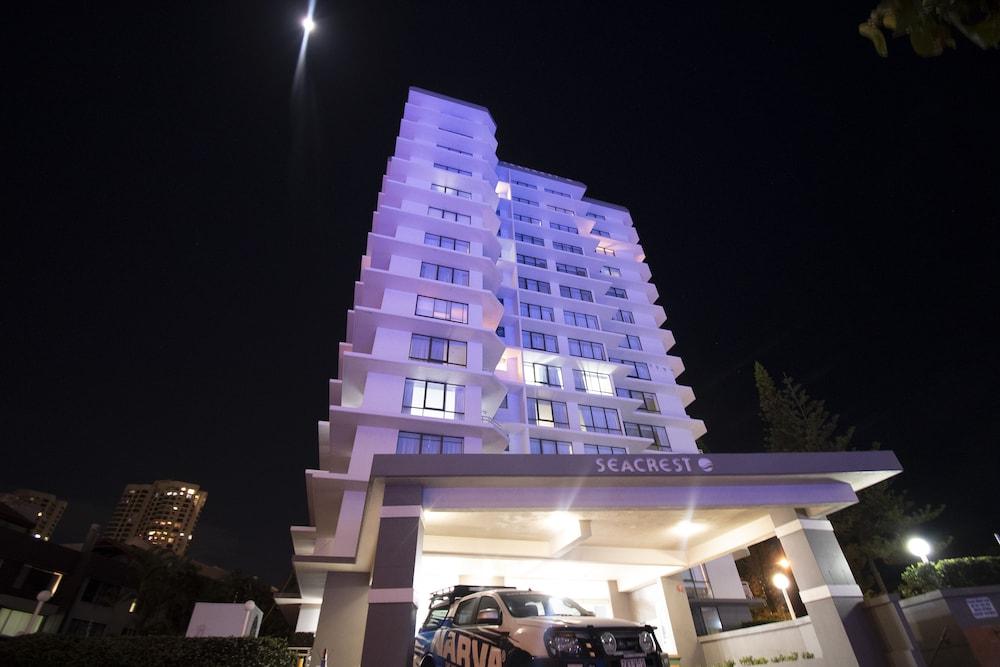 시크레스트 비치프런트 홀리데이 아파트먼츠(Seacrest Beachfront Holiday Apartments) Hotel Image 32 - Hotel Front